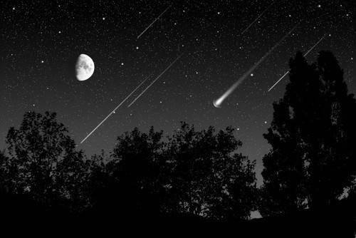 Super-Luna y lluvia de estrellas: ¡mira al cielo para verlas!