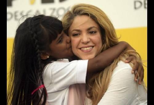 Shakira prefiere invertir en educación a ganar un Grammy