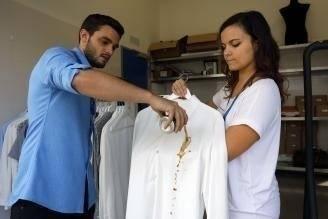 Inventan las camisas del futuro que no se manchan ni arrugan: ¿cómo funcionan?