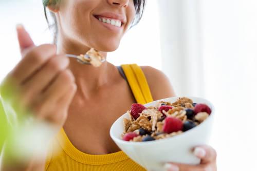 7 snacks saludables para saciar el hambre entre comidas