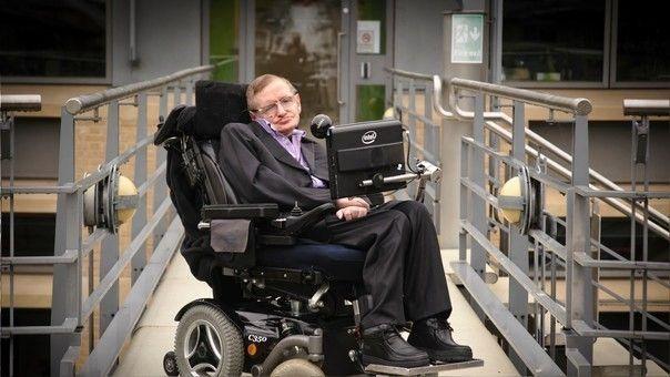 Hawking sugirió que después del big bang se formaron diminutos agujeros negros primitivos.