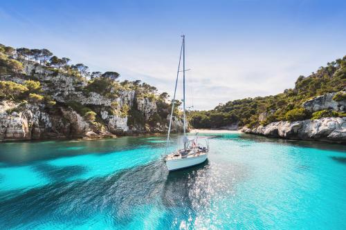 Estas son algunas de las mejores playas y calas de Ibiza