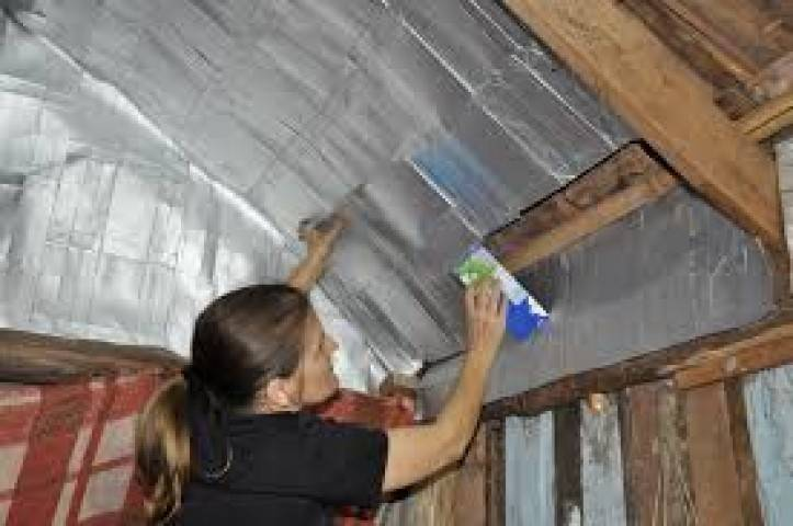 Aislante térmico de tetrabriks para reducir los costos y el impacto ambiental..