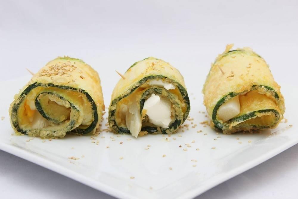Rápidos rollitos de zucchini rellenos de espinaca y ricota