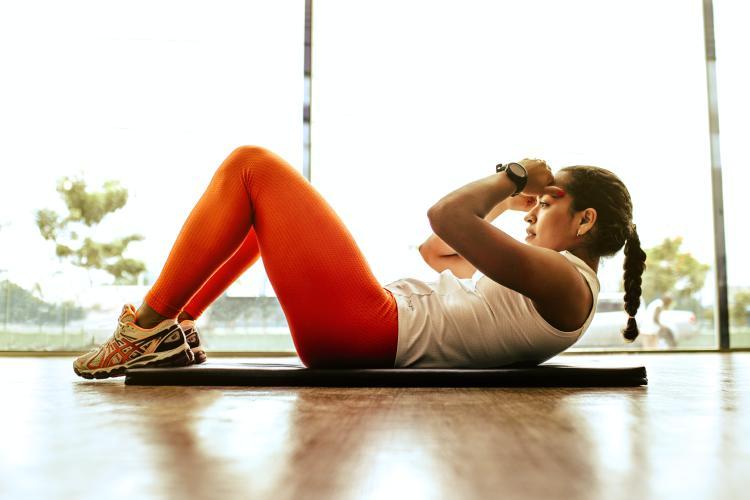 Realizar ejercicio físico constante y moderado puede colaborar con dolores de fibromialgia