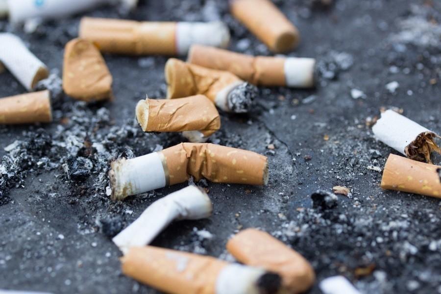 Las colillas de cigarrillos son más contaminantes de lo que creíamos