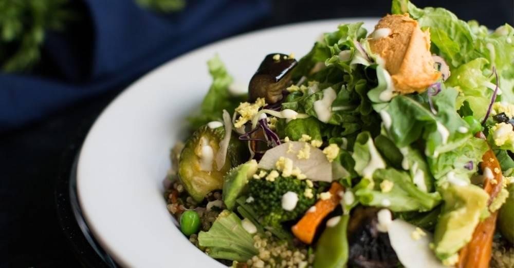 Esta ensalada vegana repleta de Omega 3 es justo lo que necesitas