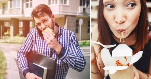 Nunca deberías hacer esto mientras comes o tu salud pagará las consecuencias