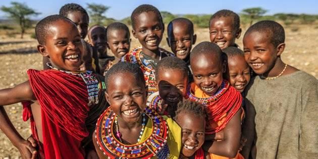 La contundente reflexión que te hará replantearte las fotos con niños en países africanos