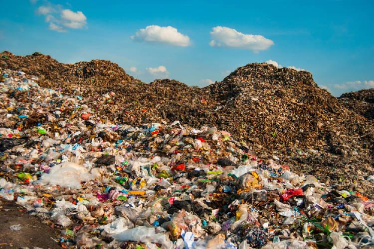 toneladas de basura plastica