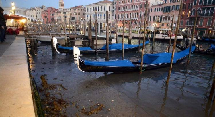 venecia: marea de agua muy baja