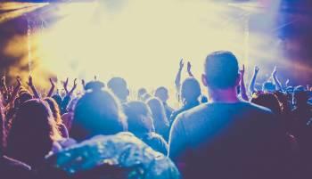 Multitud en un concierto
