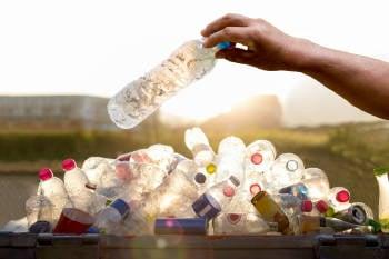 botellas de plastico recicladas
