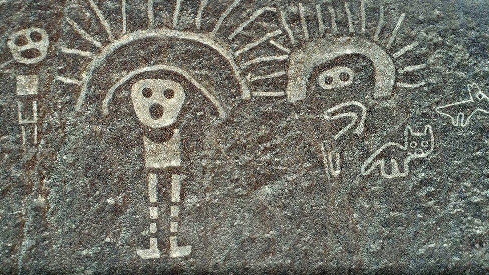 Las líneas de Nazca fueron trazadas por la cultura nazca y están compuestas por varios cientos de figuras geométricas