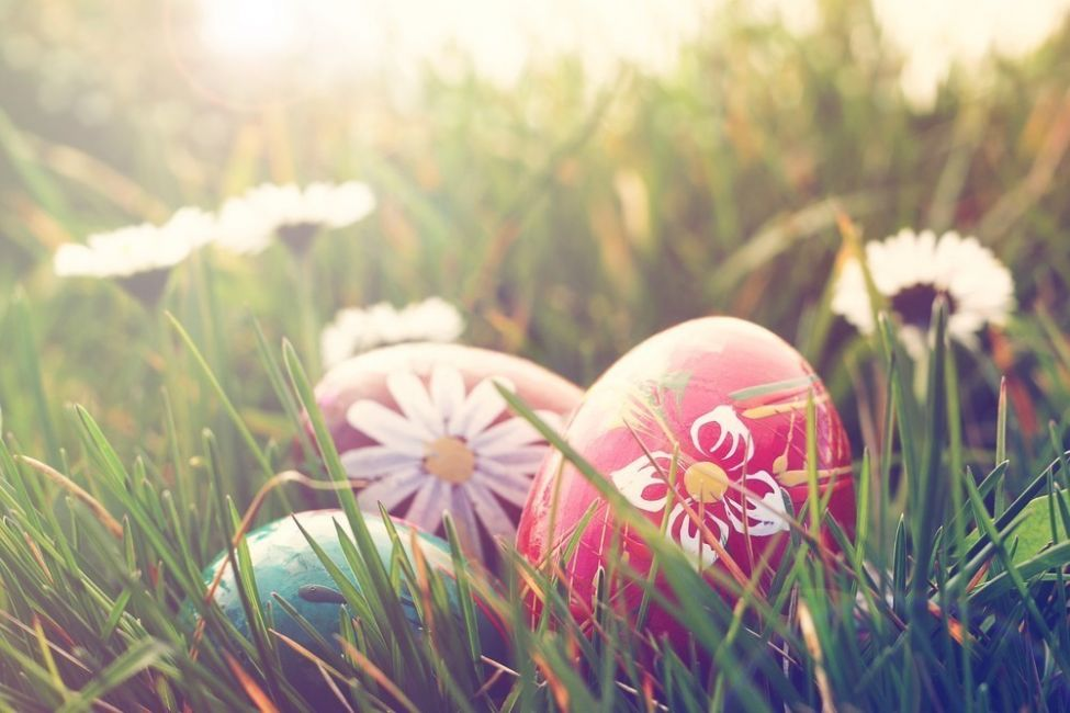 costumbre de regalar huevos para Pascuas