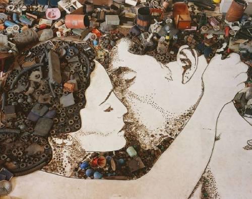 Este artista brasileño crea asombrosas obras de arte con basura