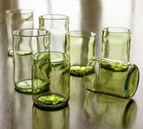 Cómo cortar botellas de vidrio con agua caliente