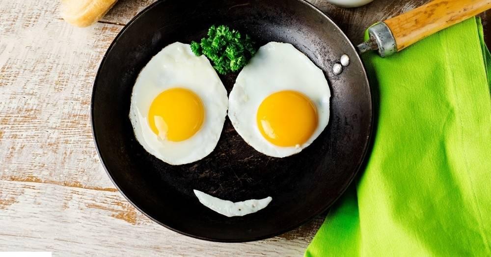 """Cómo hacer un huevo \""""frito\"""" sin aceite"""