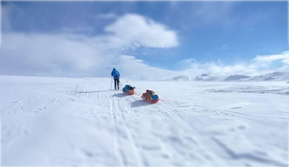 Después de casi 70 días de caminata una mujer llegó a pie al Polo Sur