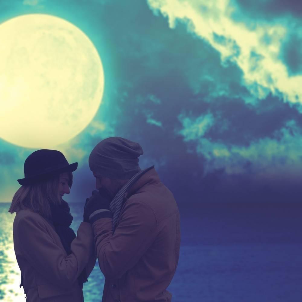 Ritual para usar el poder de la súperluna y atraer el amor