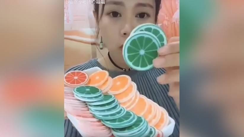 ¿Comer hielo? Ésta es la extraña tendencia viral china que nadie puede ente..