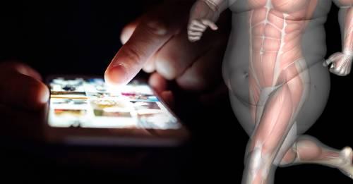 Por qué la luz de las pantallas podría hacerte engordar