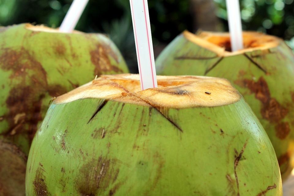 Agua de coco para la gastritis