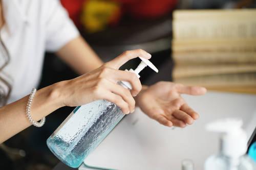 Jabón o alcohol en gel: cuál es mejor para desinfectar las manos