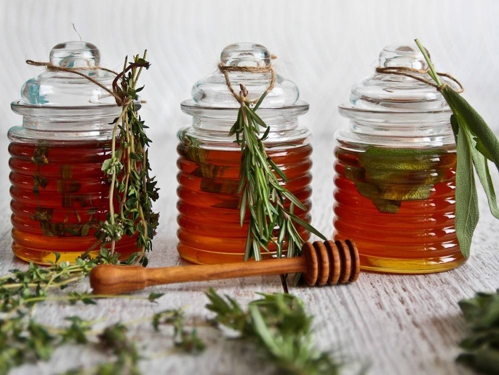 Miel infusionada con hierbas