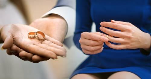 Esta mujer le dijo que no al anillo de compromiso. ¿Qué opinas tú?