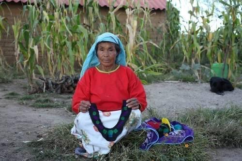 Una comunidad originaria de México ha encontrado en los tejidos una salida al..