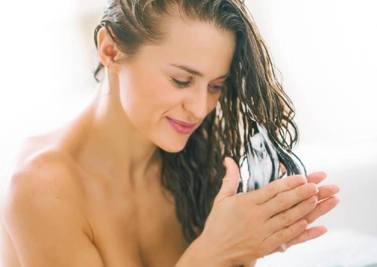 acondicionador mujer pelo