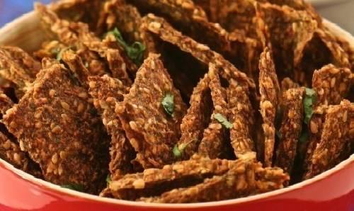 Fáciles crackers de tomate y semillas de lino