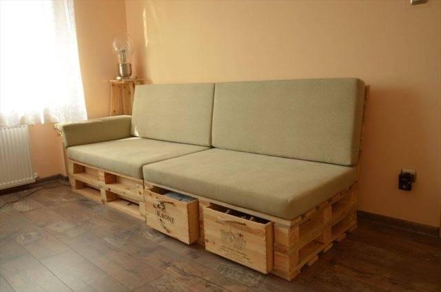 Cómo hacer un sofá de pallets con almacenamiento interno