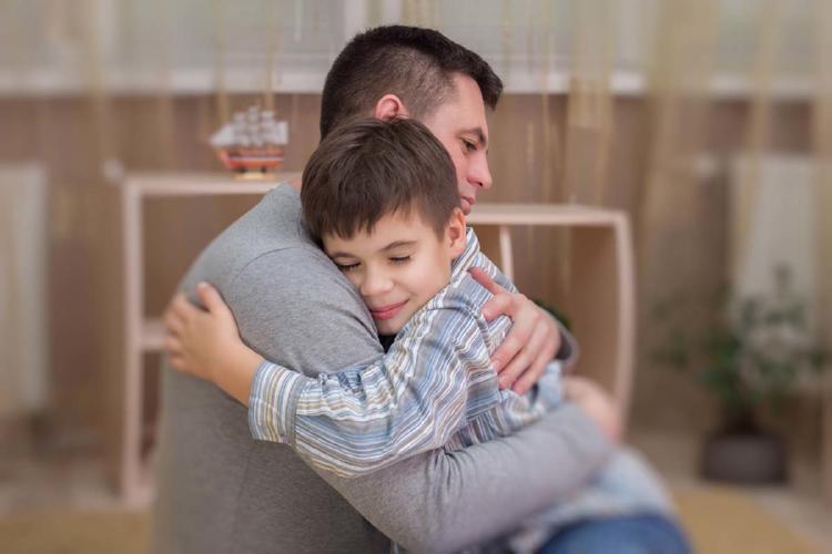 abrazo niño 3