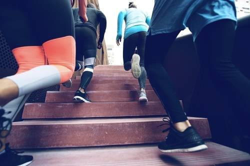 7 ejercicios más fáciles y efectivos que correr, hacer abdominales o sentadi..