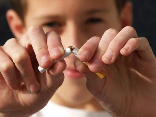 ¿Quieres dejar de fumar? Allen Carr te dice cómo lograrlo