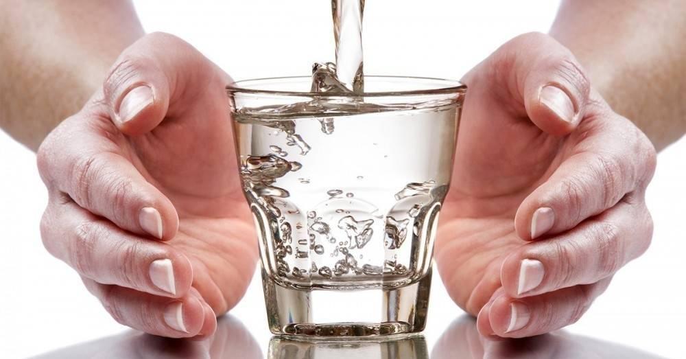 6 maneras de energizar el agua que tomamos