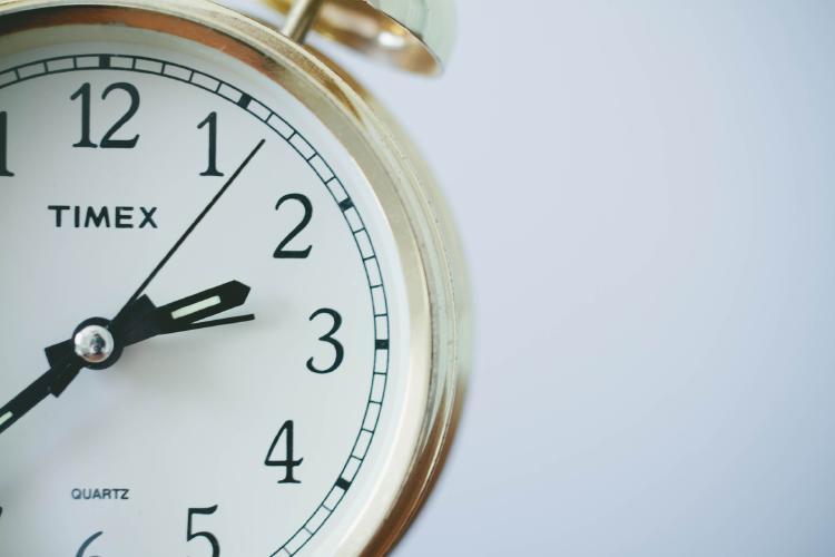 Estudio de Harvard sugiere que despertarse más temprano es la clave del éxito