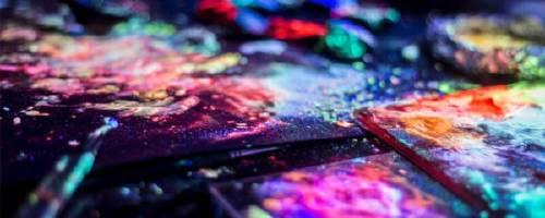 Cómo hacer pintura que brille en la oscuridad