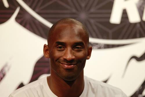 Compostarán las flores del homenaje a Kobe Bryant