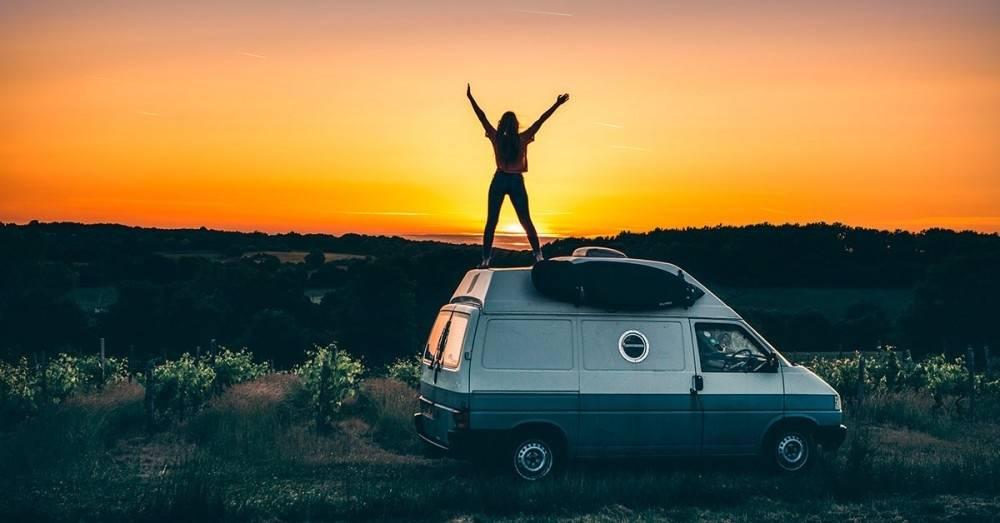 Así es la vida de la pareja nómada que lleva 6 años viviendo en una furgoneta