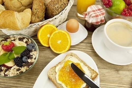 Cómo deberías desayunar si estás intentando bajar de peso
