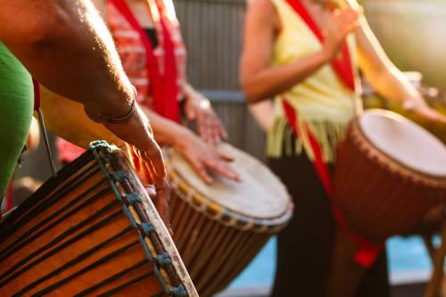 Tamboreras: un proyecto para fortalecer a las mujeres a través de la música