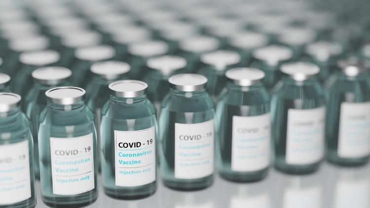 La OMS afirmó que el 75 % de las vacunas se han administrado en solo 10 países