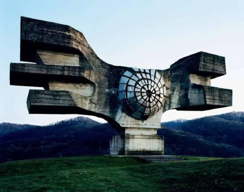 Monumentos soviéticos abandonados