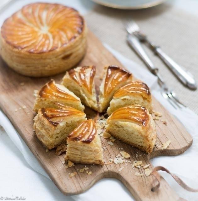 Mini galletas rellenas de crema pastelera