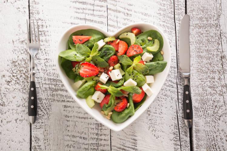 ensalada recipiente corazon