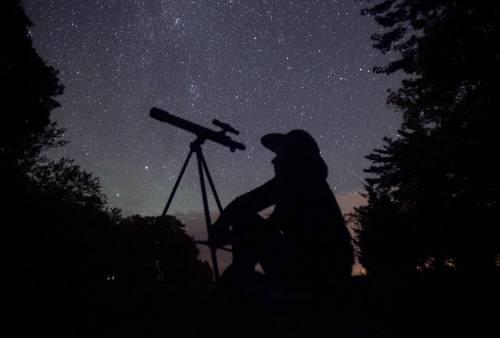 Guía para ver la lluvia de estrellas que iluminará este cielo el viernes