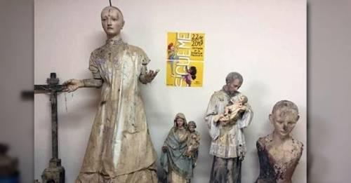 Descubren varias obras de arte del siglo XV escondidas en una pared en 1976